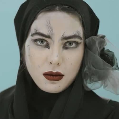 دانلود ویدیو جدید رضا صادقی هیچی یعنی